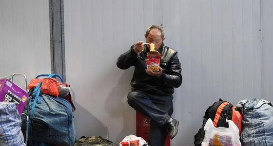 春运!火车上中国人40年的大变迁