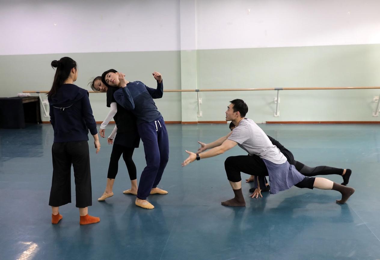 舞剧《金蝉塑与糖人宝》: 毛猴、糖人儿和大鼓,他们说老北京的热闹与绚彩都在这里了