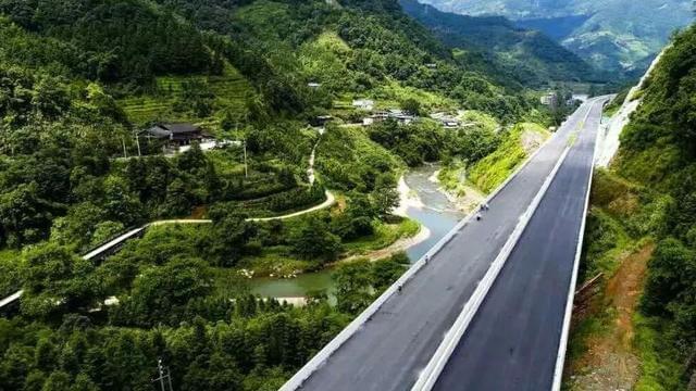 桂三高速26日通车通道到桂林仅1个半小时车程