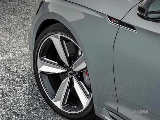 1万多英镑买套件 RS5碳纤维版官图发布