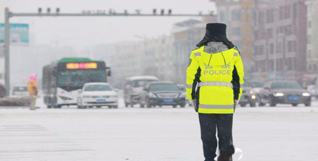 战冰雪保畅通 宁夏道路交通秩序平稳有序
