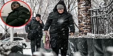 已故亚运冠军妻女皆患癌:340斤少女艰难求生