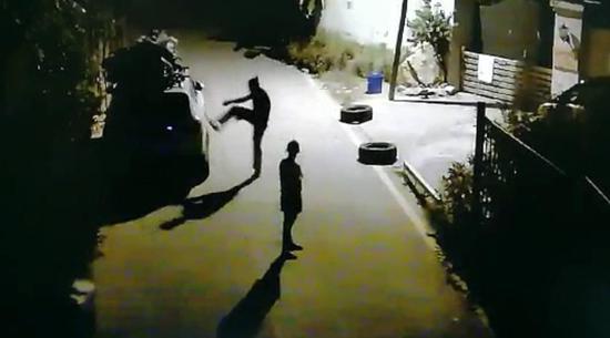 男子酒后开车兜风并堵住停车场 涉嫌醉驾被刑拘