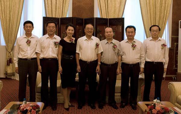 大连一方老板身家280亿 曾坐王健林私人飞机一起打扑克