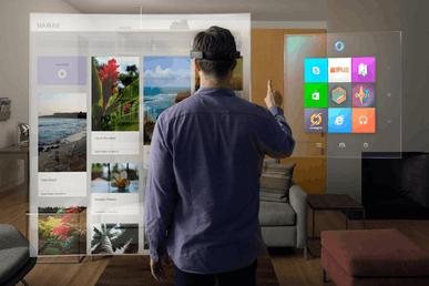 20:微软并不急于把HoloLens大面积量产市售,该技术正在科研教育领域慢慢完善,未来可期