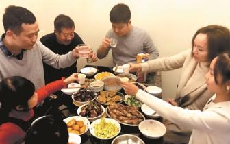 在福建过年的外乡人 年夜饭吃出了家的味道