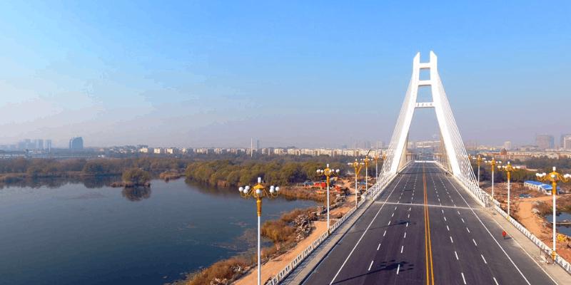 潍坊安丘青云大桥正式通车 夜景美不胜收