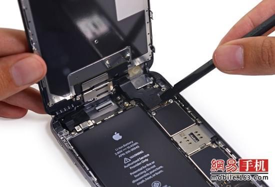 易评机:苹果官方218元换电池值得考虑吗?