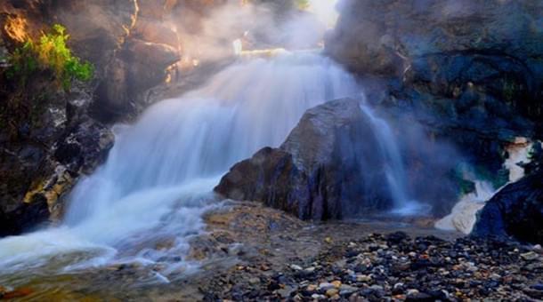 腾冲大小温泉多达80余处 看看哪一池是你的菜
