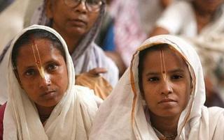 印度近万寡妇不能再婚