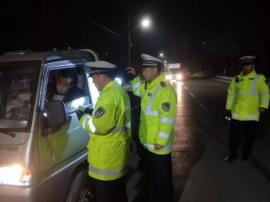 壶关交警大队开展交通违法行为集中整治夜查行动