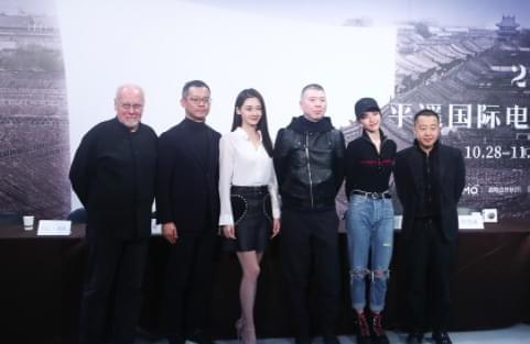 冯小刚:我没拍过算计的电影 《芳华》年内上映