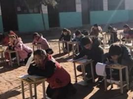 """河北曲阳多所小学未供暖事件追踪:""""煤改电"""""""