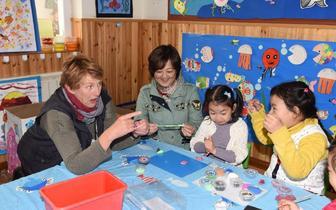 学术交流切磋研讨 澳大利亚教师教育交流团参访南京路