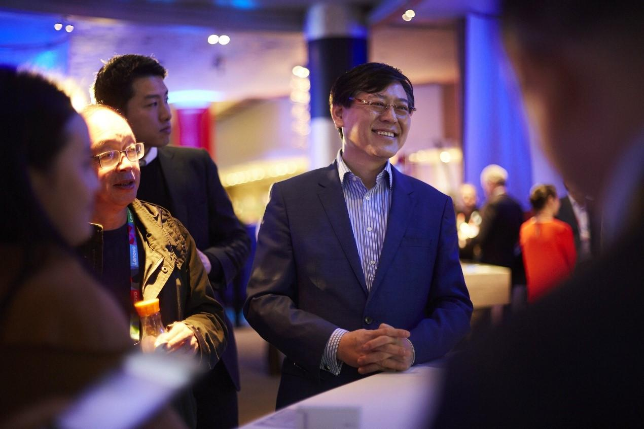 预见2018|杨元庆:让PC跟手机一样永远在线