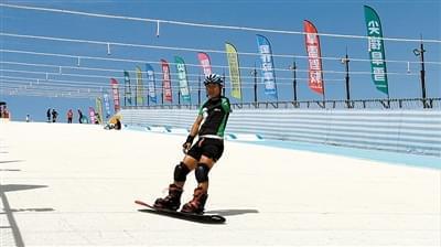 国家残疾人滑雪队成都集训 酷暑中备战冬季项目