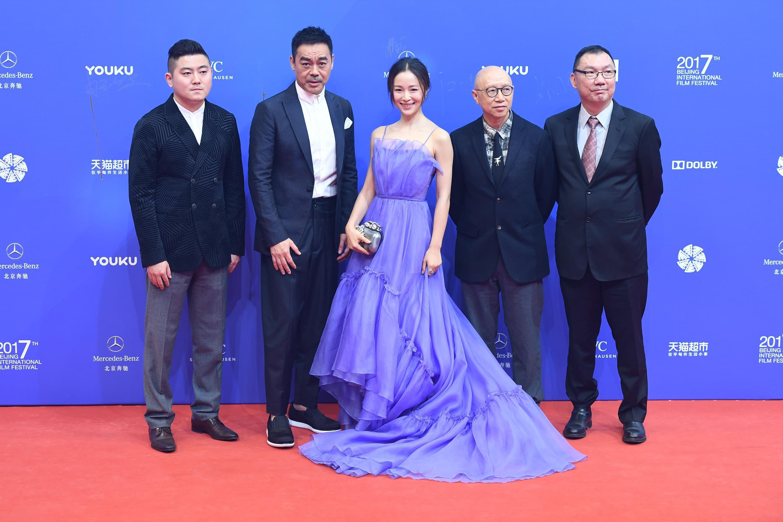 《毒。诫》剧组亮相北影节红毯 刘青云江一燕亮相
