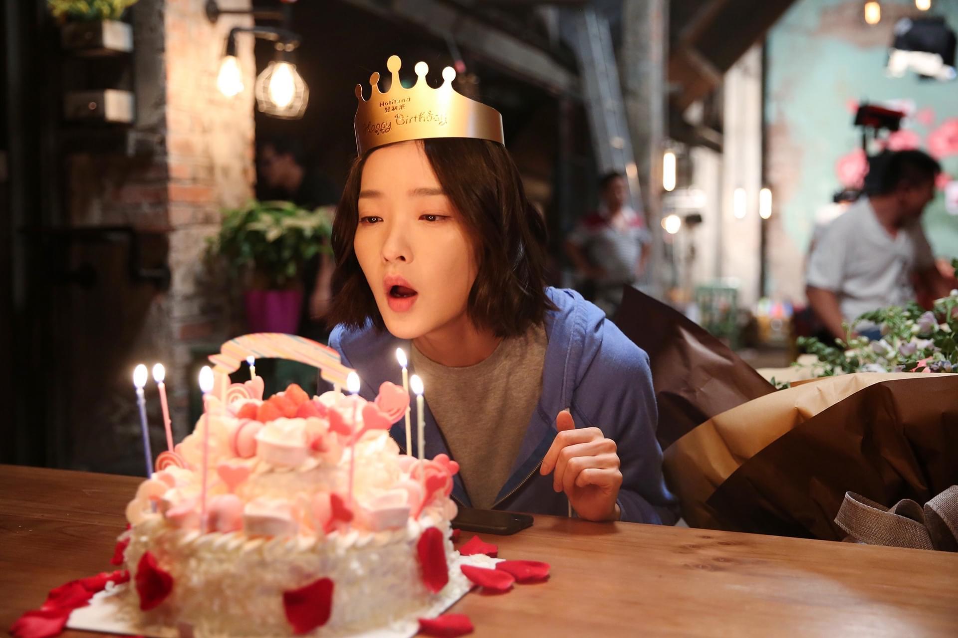 陈晓霍建起为杜鹃剧组庆生 生日心愿是马上结婚