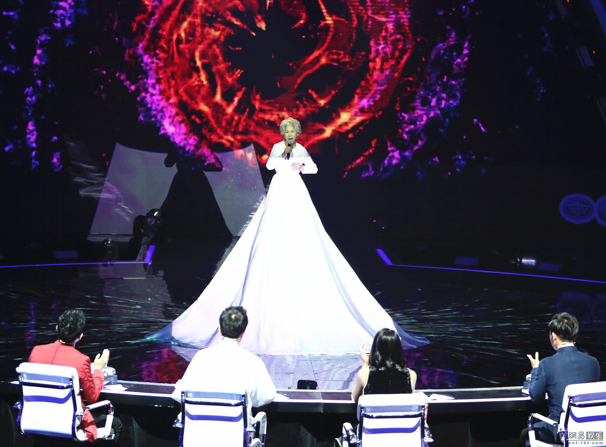 《出彩中国人》78岁于红芝登半决赛 唱高难花腔