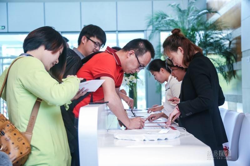 21家首批4S店签约 红旗渠道建设开新篇