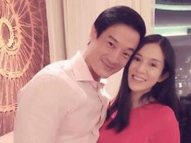 42岁杨采妮首晒正面孕肚照 依偎老公一脸幸福