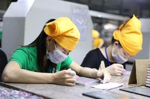 曹德旺建议小微企业免税 杨志勇:需要有政策支持
