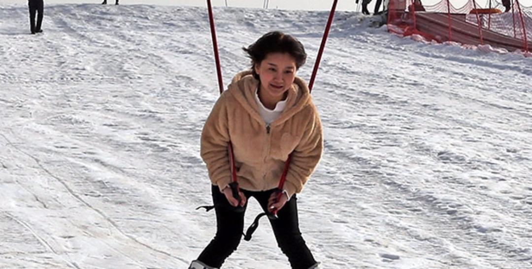 垣曲:山村建起滑雪场 乡村游变热