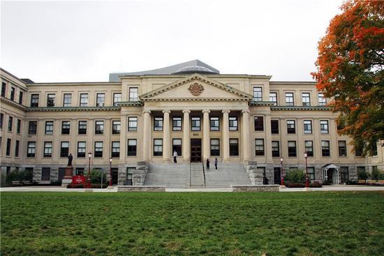 渥太华大学行政楼,校长及学校主要负责人的办公地点