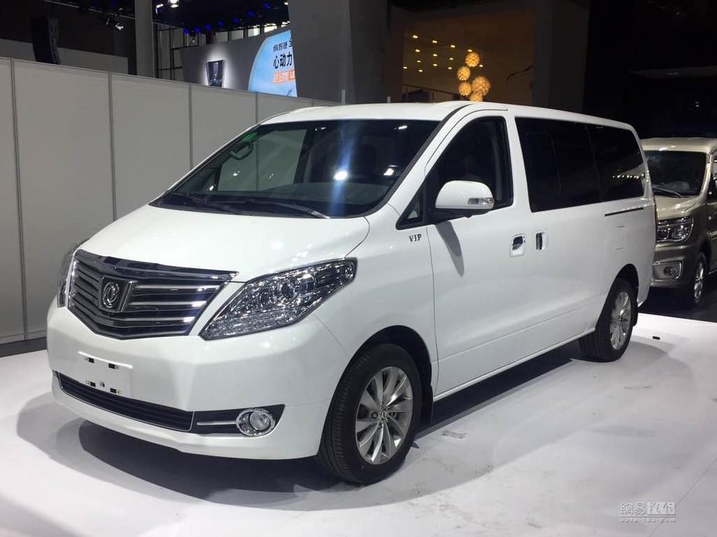 2017上海车展探馆:东风风行新款CM7实车