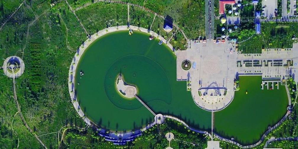 新疆和静县:荒山变绿林