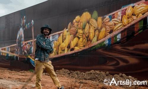 艺术家创作5700多平米全球最大壁画