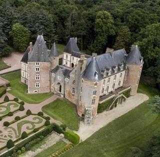 法国价值4000万豪华城堡拍卖