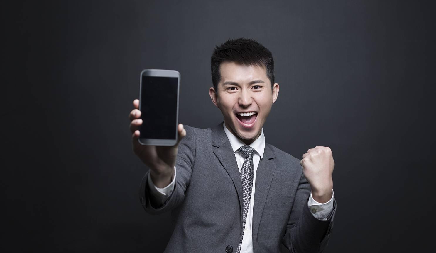 坐拥5亿用户被微信打败!中移动砸8400万能复兴它?
