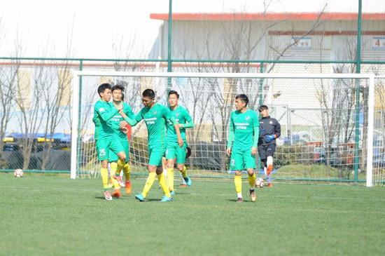 杭州绿城足协杯第三轮出战 邀请赛检验集训效果