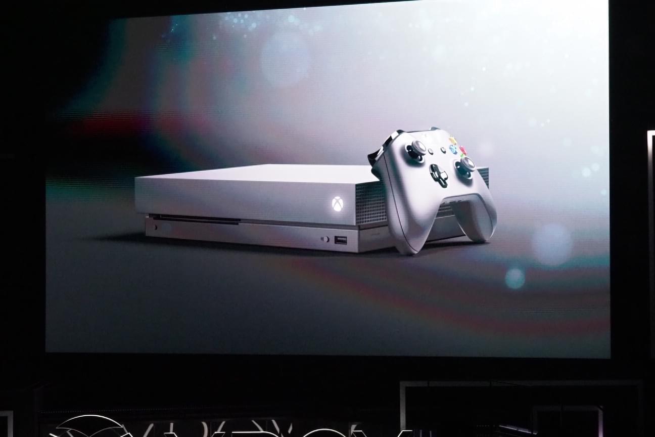 最强主机:微软新机定名Xbox One X,11月7日发售