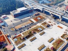 长株潭城铁芙蓉南站站前广场建成开放