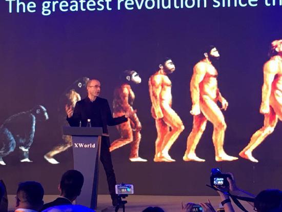 《未来简史》作者:机器人将取代人向宇宙扩张