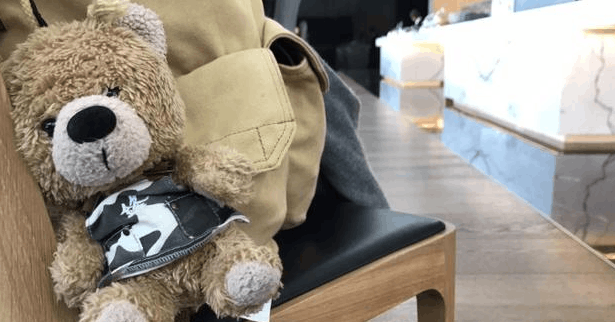 谢霆锋称被熊偷拍 迷之拍照角度惊呆网友