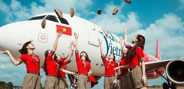 比基尼空姐造就越捷航空老板成越南女首富