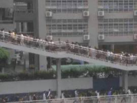 """深圳又有爆款""""景点""""?南山这座天桥得排着队过…"""