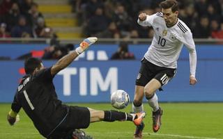 贝罗蒂中柱失绝杀 意大利0-0德国