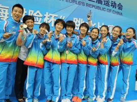 王晓东看望并鼓励河北女子跳水队员赢得更多