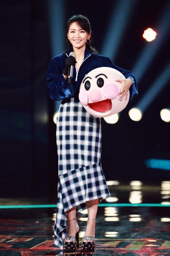 �倪x秀歌手到��民天后 十二年沉淀《蒙面》�w��