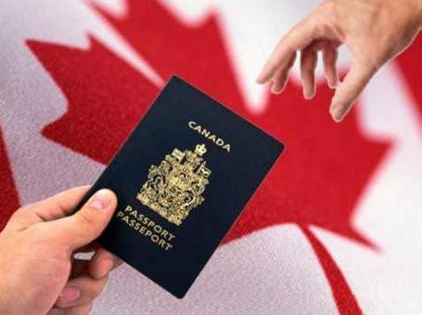 2位华裔老移民对加拿大有完全相反的看法
