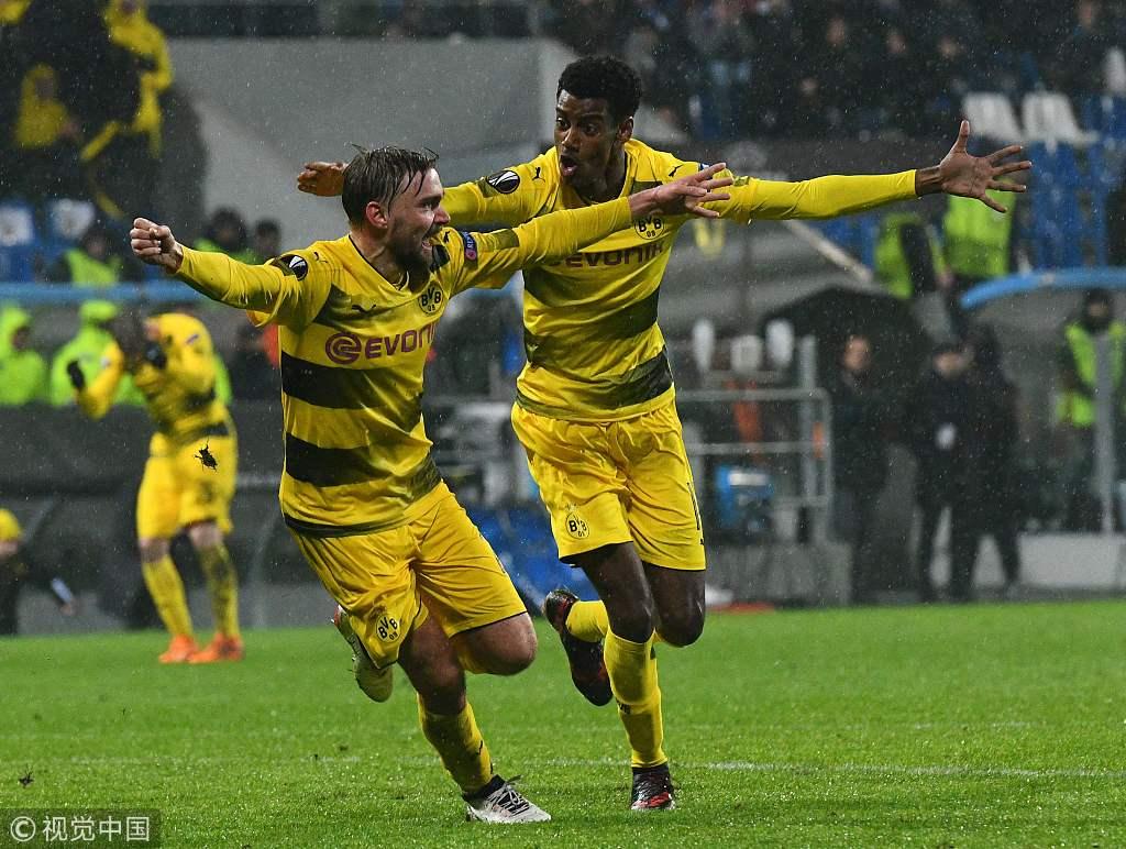 欧联杯-施梅尔策破门救主 多特总比分4-3晋级16强