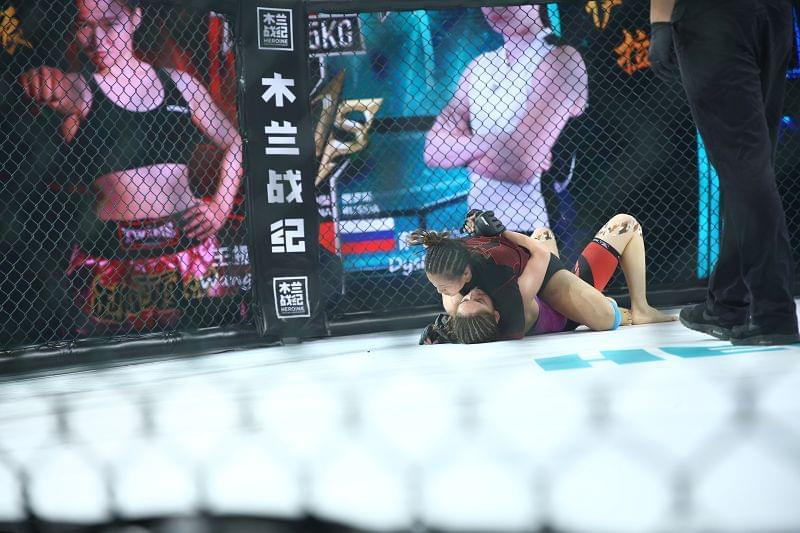 65公斤级选手王振瑶、萨伊拉