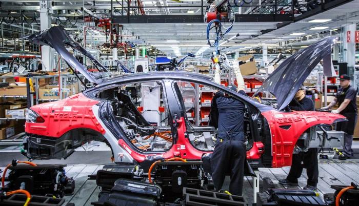 马斯克:6月底将Model 3周产量提升至6000台