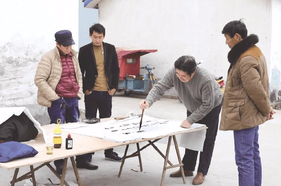 创建文化三市:荆州区弥市镇书法爱好者交流创作