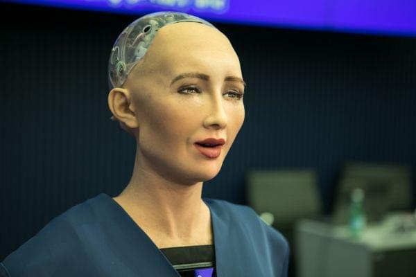 机器人越来越聪明了,是否应该赋予TA更多的权利?
