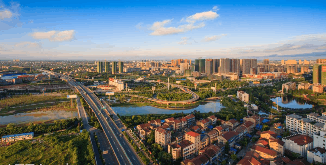 """荆州明年投巨资重点建设""""四路三桥"""""""